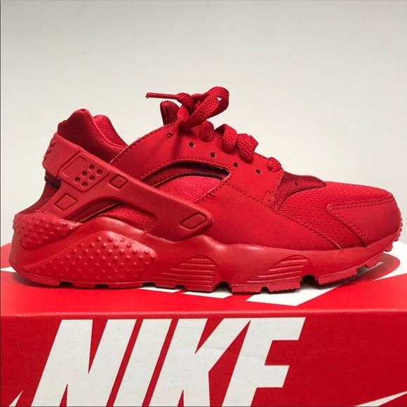 4d117ff9ebda Nike red huaraches run size 5